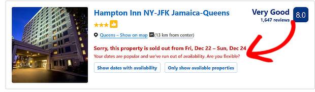 Booking.com hiển thị tin nhắn bằng chữ lớn màu đỏ sẽ khi phòng đang xem được bán hết hoặc sắp hết